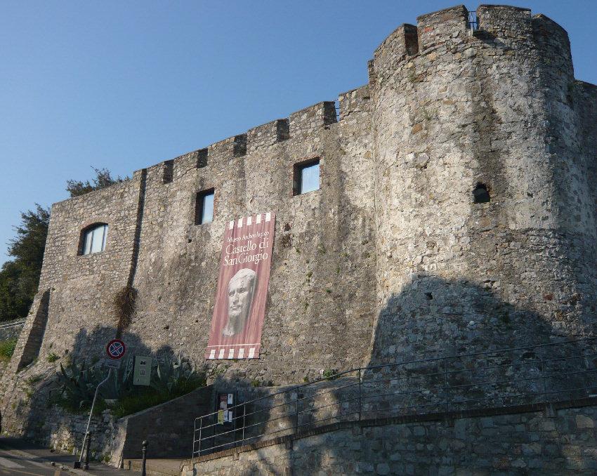 Castello_di_SanGiorgio%20LaSpezia.jpg