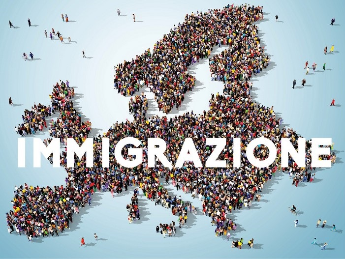 maxi_locandina_immigrazione.jpg