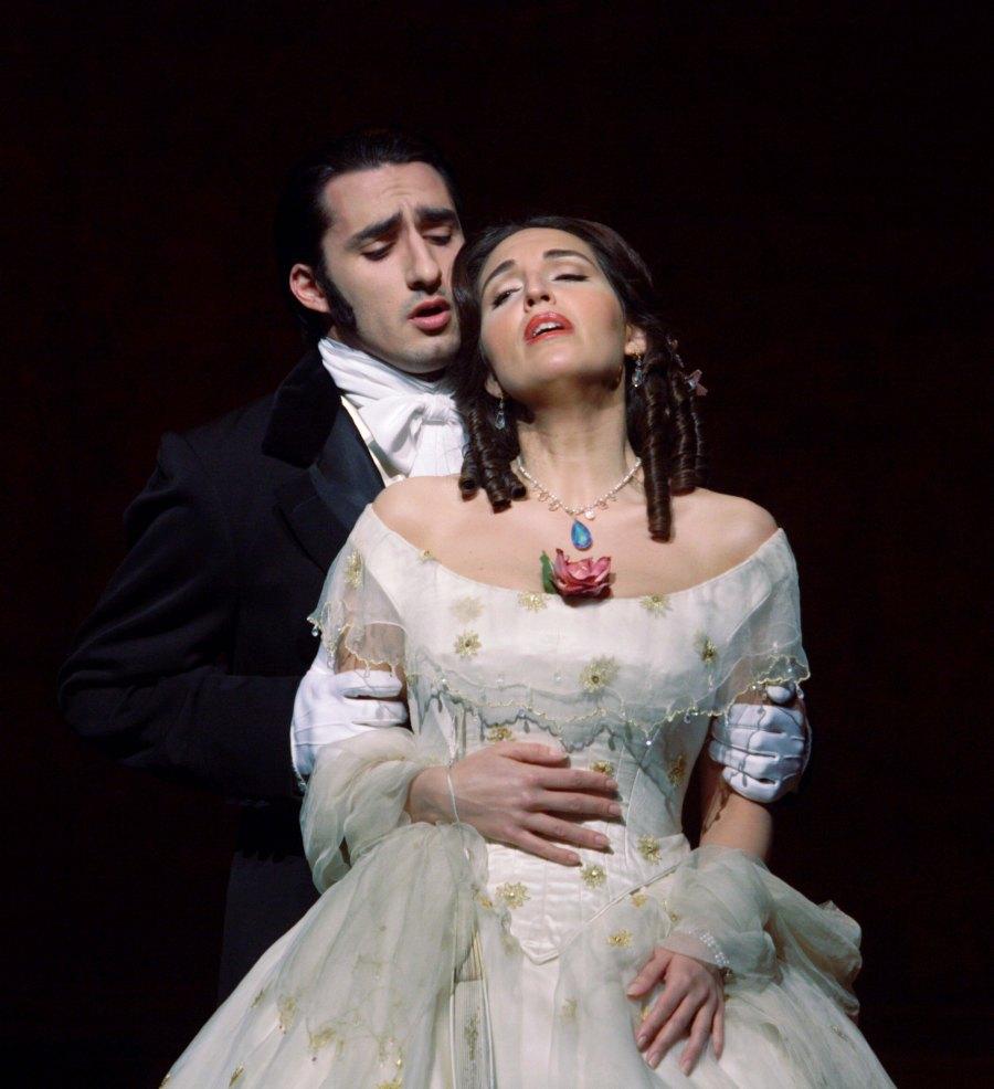 la-traviata-1.jpg