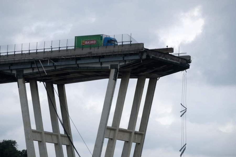 crollo-ponte-genova-2-1.jpg