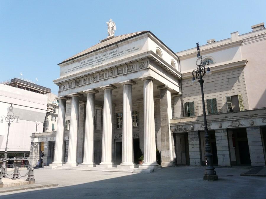 Genova-teatro_carlo_felice-pronao.jpg