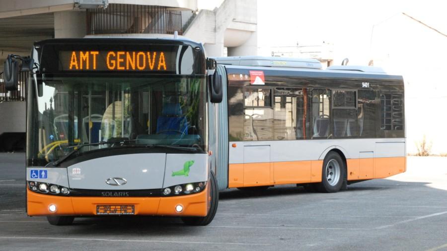 AMT-Genova-Solaris-Urbino-18-metri-e1458430412160.jpg
