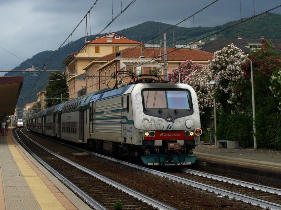 20170213113358-treno_liguria.jpg